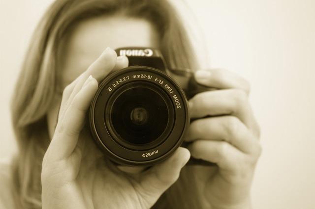 photographer-16022_640 (3)